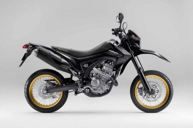Eicma 2016 Suzuki Confirms Gsx250r And V Strom 250 For Europe likewise Honda Cbr 600rr as well Kawasaki Ninja further Kawasaki Ninja besides Honda Shine. on kawasaki ninja 250r black