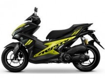 Yamaha Aerox Black/Lime Plastic Set